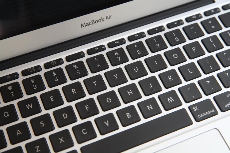MacBook Air 11インチ 01