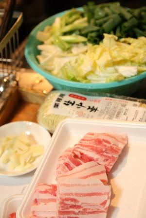 豚バラと白菜のにんにく鍋材料一式