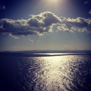 海面キラキラ